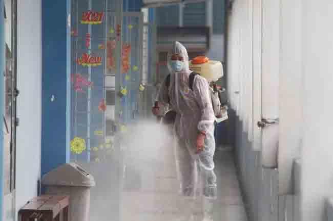 Những người chuẩn bị rời Hà Nội về quê ăn Tết ngoài khai báo y tế thì cần làm những việc này-4