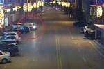 Ôtô bất ngờ phát nổ, tài xế may mắn thoát chết-1