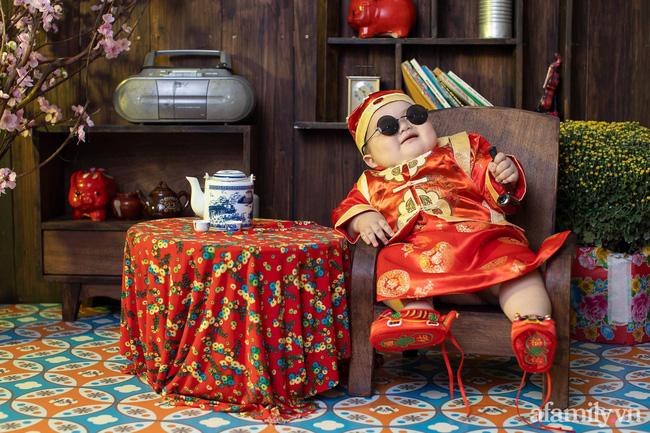 Bộ ảnh Tết của bé trai 1 tuổi gây sốt MXH vì đáng yêu phát hờn: Nhìn thôi đã thấy năm mới vui vẻ, khỏe mạnh, sung túc đủ đầy rồi!-1