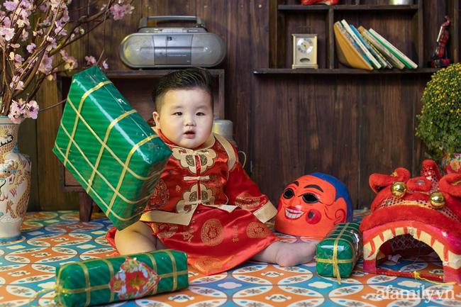 Bộ ảnh Tết của bé trai 1 tuổi gây sốt MXH vì đáng yêu phát hờn: Nhìn thôi đã thấy năm mới vui vẻ, khỏe mạnh, sung túc đủ đầy rồi!-9
