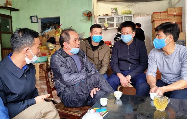 4 thanh niên tử vong trong vụ cháy do đốt vàng mã ở Hà Nội: Người vợ mang thai 8 tháng ôm linh cữu chồng khóc nghẹn-3