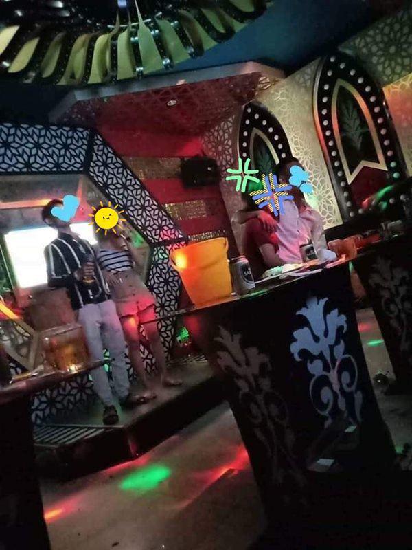 Bạc đời tay vịn của một cựu tiếp viên Karaoke: Gia vị tới bến cho những cuộc vui tăng 2, đóng giả sinh viên hòng kiếm sủng ái và những cái giá quá đắt cho đời hương hoa!-3