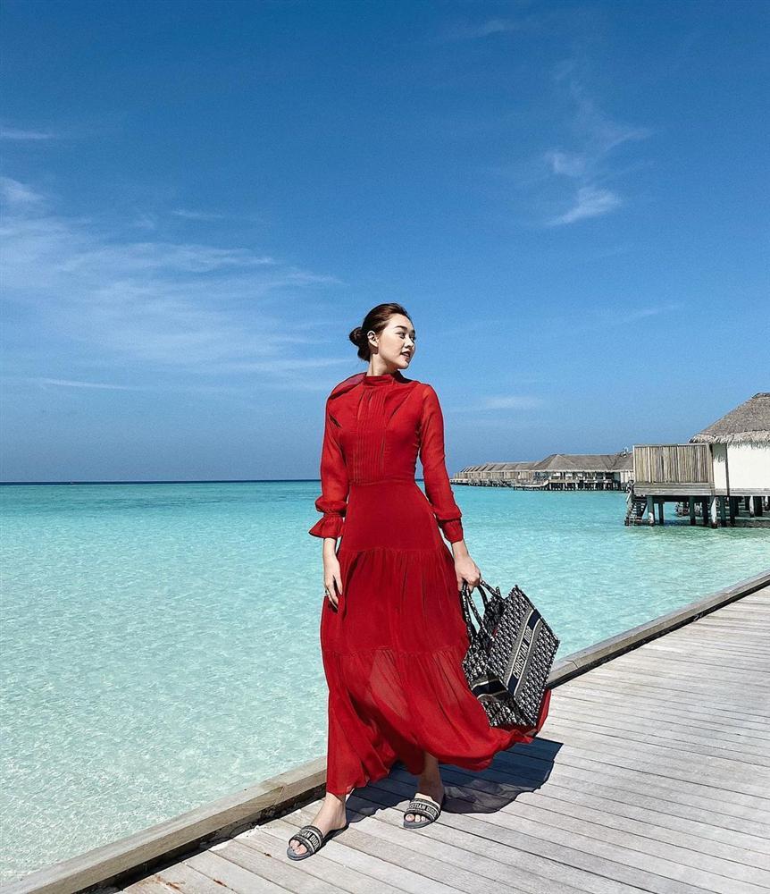 4 mẫu váy tủ của sao Việt: Tất cả đều xinh và sang đến nỗi bạn sẽ muốn sắm hết để diện Tết-6