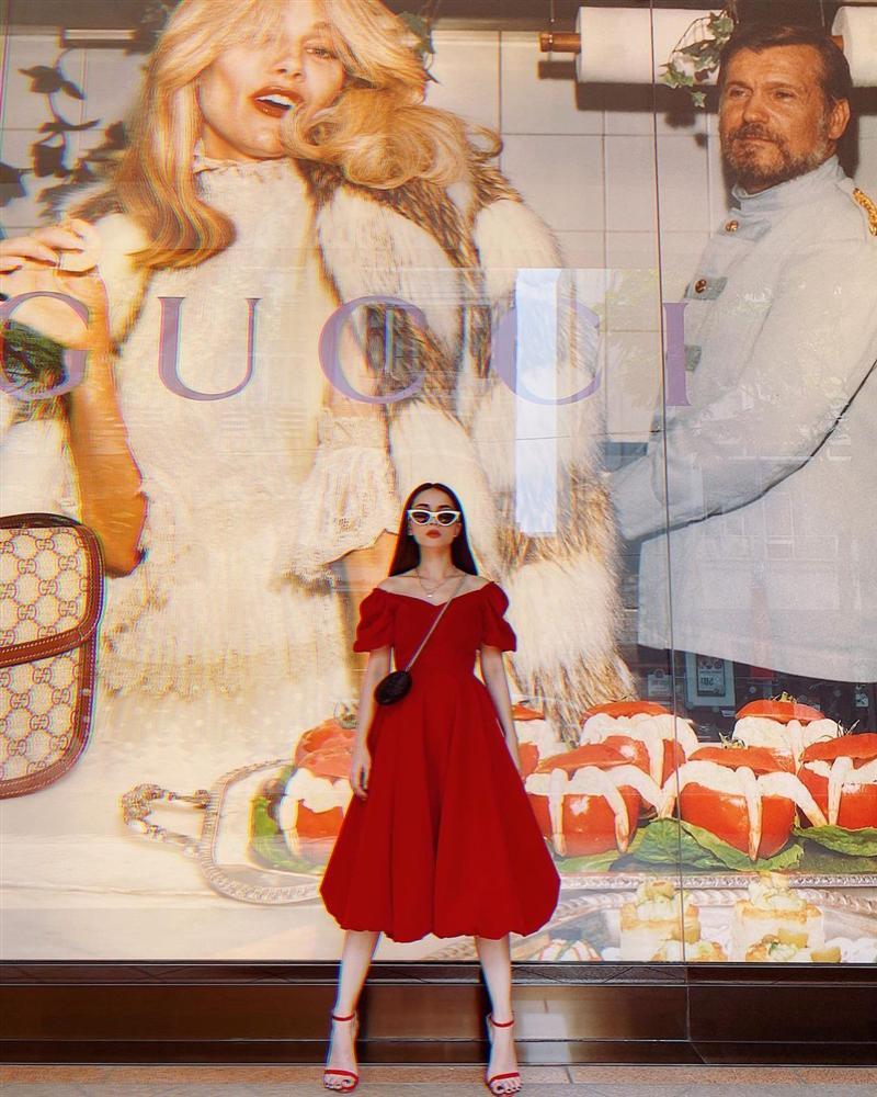 4 mẫu váy tủ của sao Việt: Tất cả đều xinh và sang đến nỗi bạn sẽ muốn sắm hết để diện Tết-8