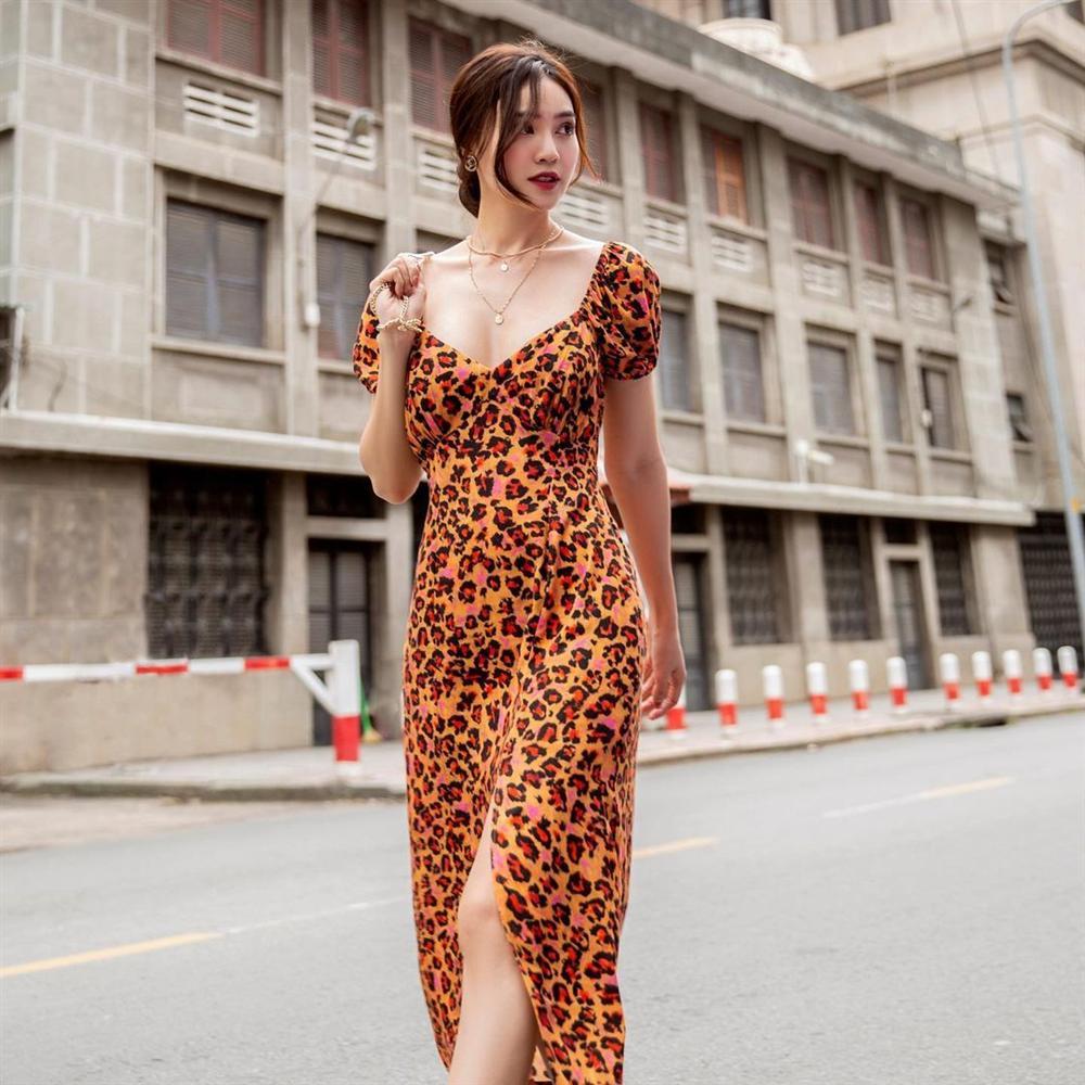4 mẫu váy tủ của sao Việt: Tất cả đều xinh và sang đến nỗi bạn sẽ muốn sắm hết để diện Tết-13