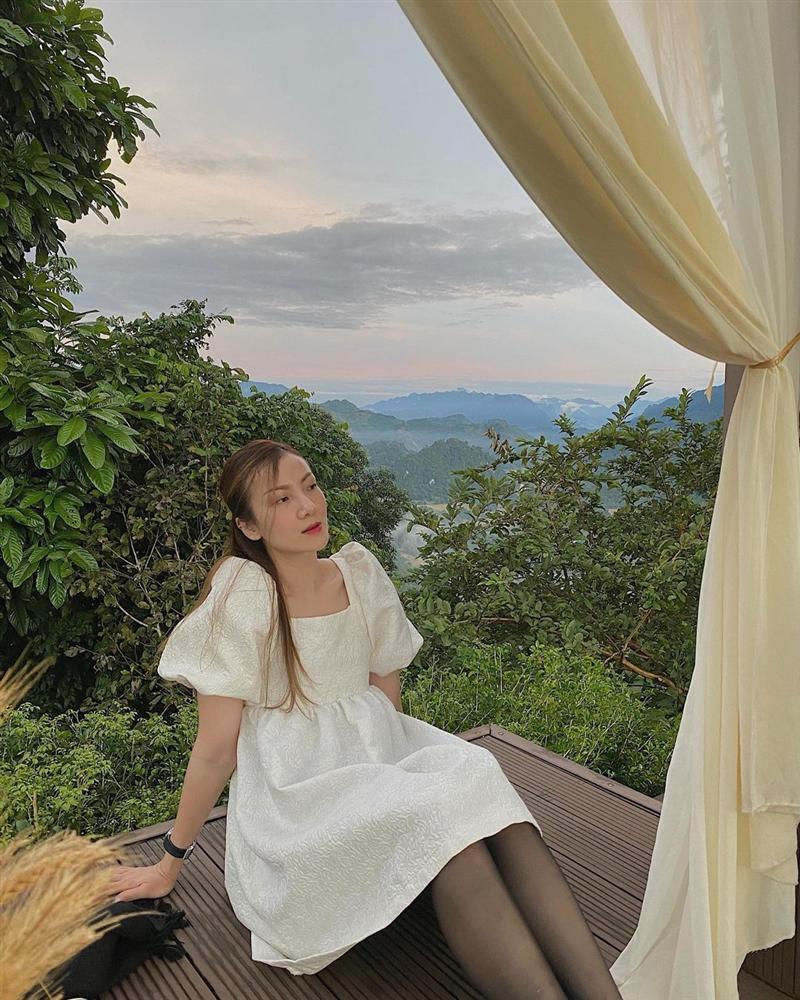 4 mẫu váy tủ của sao Việt: Tất cả đều xinh và sang đến nỗi bạn sẽ muốn sắm hết để diện Tết-16