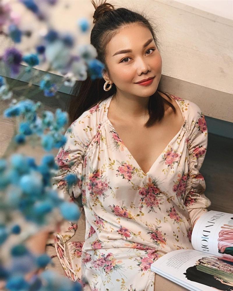 4 mẫu váy tủ của sao Việt: Tất cả đều xinh và sang đến nỗi bạn sẽ muốn sắm hết để diện Tết-9