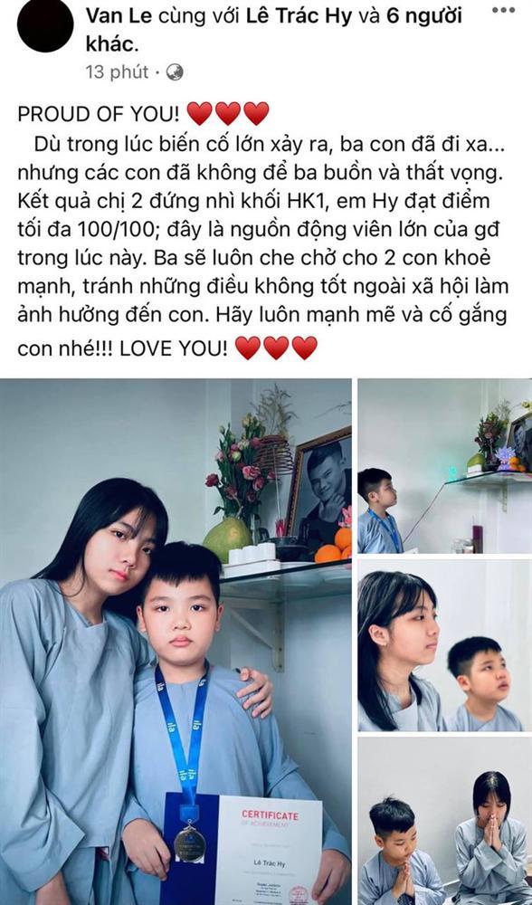 Vợ cũ Vân Quang Long hé lộ kết quả học tập khủng của 2 con, hình ảnh bé út cầm giấy khen trước bàn thờ bố khiến dàn sao Việt xúc động-1