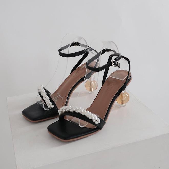5 kiểu giày đáng sắm giúp style lên đời dịp Tết: Diện với váy hay quần cũng xinh sang hết cỡ-4