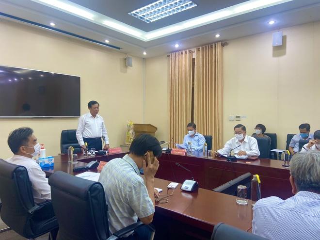 Gần 50 người ở TP.HCM là F1 của nhân viên sân bay Tân Sơn Nhất-1