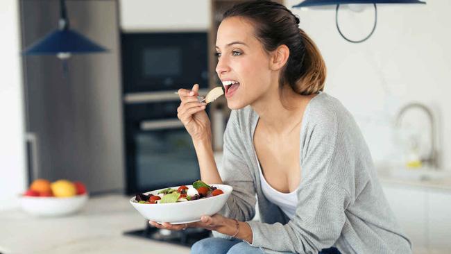 5 mẹo dễ như chơi giúp chị em không bị béo lên sau khi ăn Tết, thậm chí còn gầy đi-4