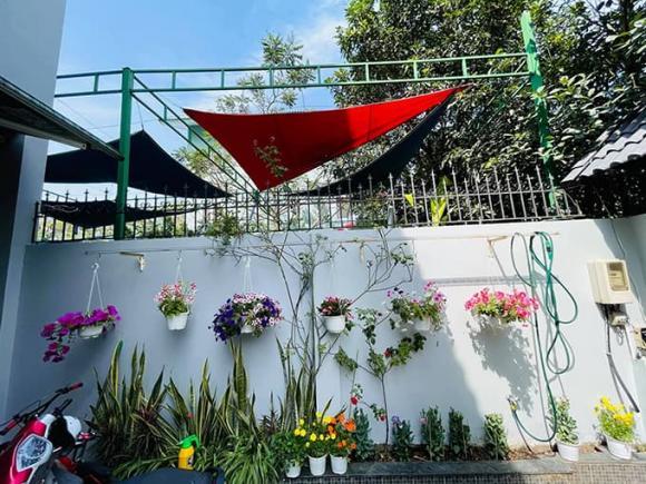 Khám phá không gian nhà rực rỡ sắc hoa của vợ chồng Mạc Văn Khoa-3