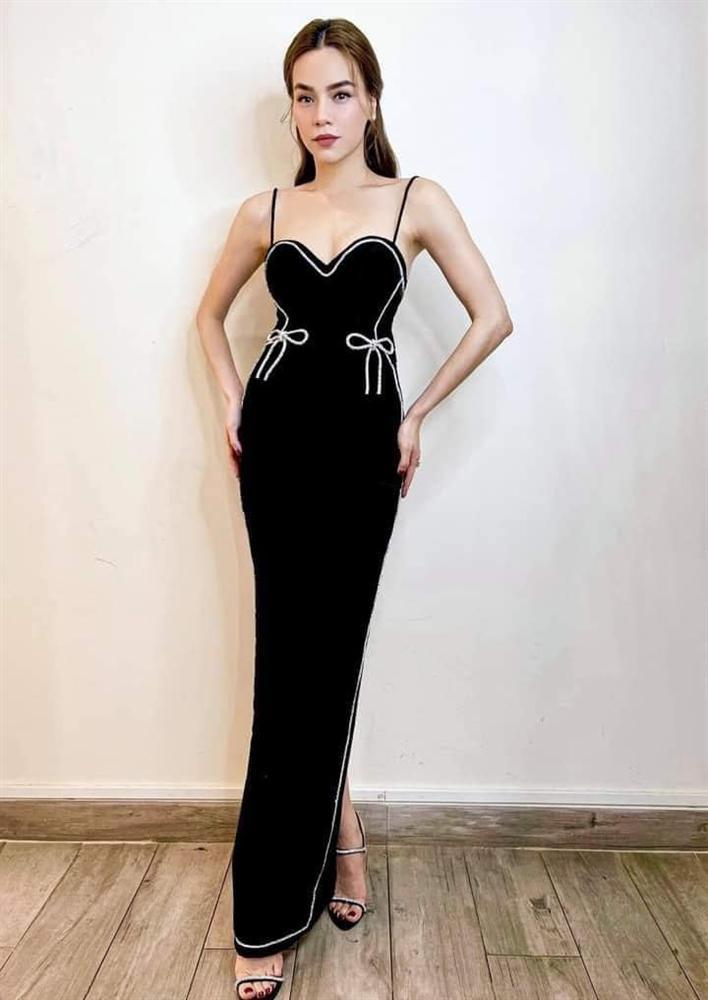 Hà Hồ vừa comeback đã diện cả loạt váy áo ít ai dám mặc, netizen mê mẩn vì thần thái và body đỉnh cao-12