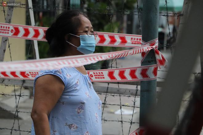 Phong tỏa khu Mả Lạng quận 1 vì ca mắc Covid-19 mới là nhân viên bốc xếp hàng hóa tại sân bay Tân Sơn Nhất-4