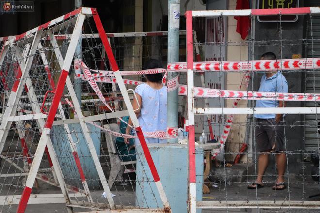 Phong tỏa khu Mả Lạng quận 1 vì ca mắc Covid-19 mới là nhân viên bốc xếp hàng hóa tại sân bay Tân Sơn Nhất-6