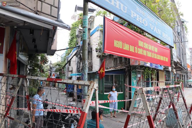 Phong tỏa khu Mả Lạng quận 1 vì ca mắc Covid-19 mới là nhân viên bốc xếp hàng hóa tại sân bay Tân Sơn Nhất-9