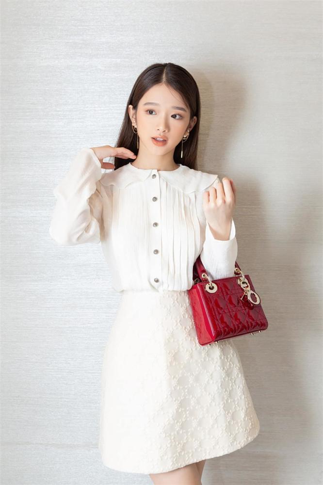 19 tuổi, Linh Ka chi 200 triệu đồng/1 tháng sắm hàng hiệu-2