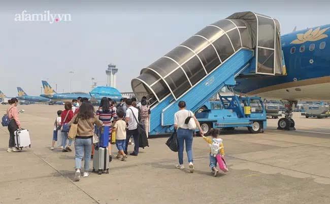 Gia Lai khẩn tìm hành khách trên chuyến bay VN1612 có bệnh nhân ở Hà Nội dương tính với SARS-CoV-2-1