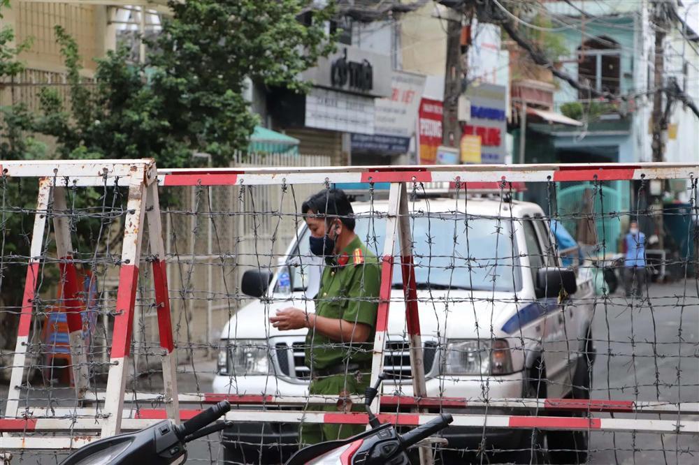 Bộ trưởng Nguyễn Thanh Long: May mắn việc lây nhiễm xảy ra ở khu vực bốc xếp, không liên quan đến hành khách-1
