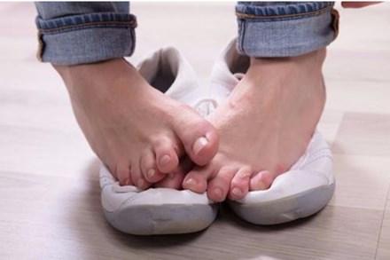 7 mẹo nhỏ loại bỏ mùi hôi chân nhanh chóng, đơn giản nhưng hiệu quả ngoài sức tưởng tượng
