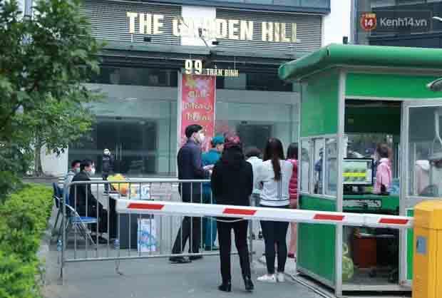 Trích xuất camera, BN 2009 ở CC Garden Hill (Hà Nội) không tự giác cách ly, 2 lần xuống tầng 1 chung cư gội đầu-1