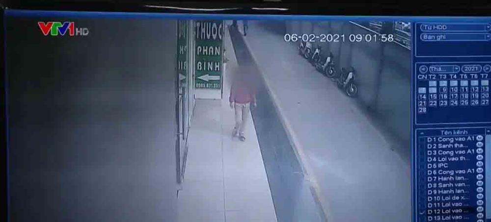 Trích xuất camera, BN 2009 ở CC Garden Hill (Hà Nội) không tự giác cách ly, 2 lần xuống tầng 1 chung cư gội đầu-2