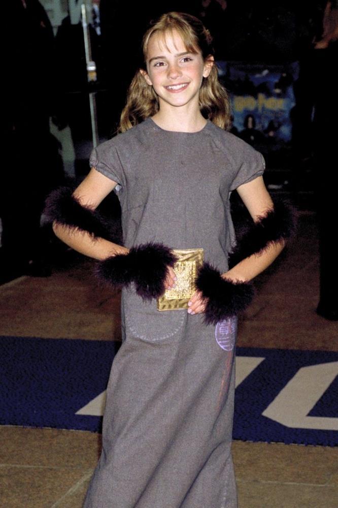 Các sao Hollywood đã mặc gì trong lần đầu tiên dự thảm đỏ-5