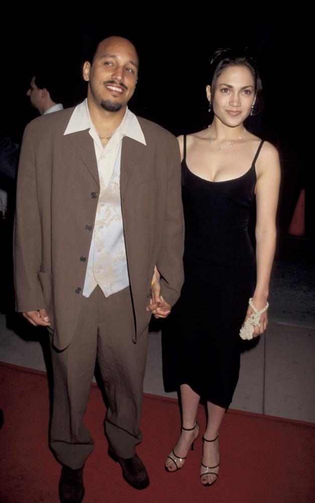 Các sao Hollywood đã mặc gì trong lần đầu tiên dự thảm đỏ-9