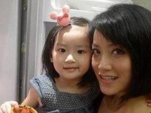 Không phải Vương Phi hay Trương Bá Chi, có 1 người phụ nữ cực kỳ quan trọng đối với Tạ Đình Phong, thậm chí còn có tin đã sinh con gái cho nam tài tử-3