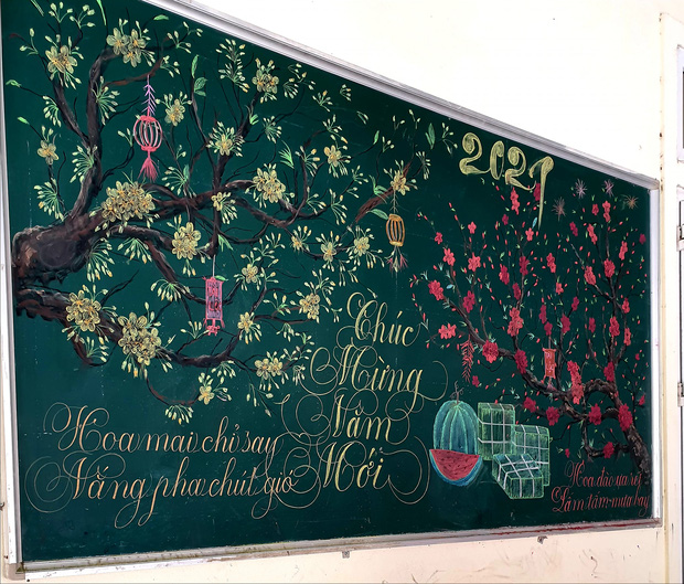 Chỉ sau 3 tiếng đồng hồ, cô giáo hô biến bảng xanh phấn trắng thành bức hoạ chúc mừng năm mới tuyệt đẹp-1