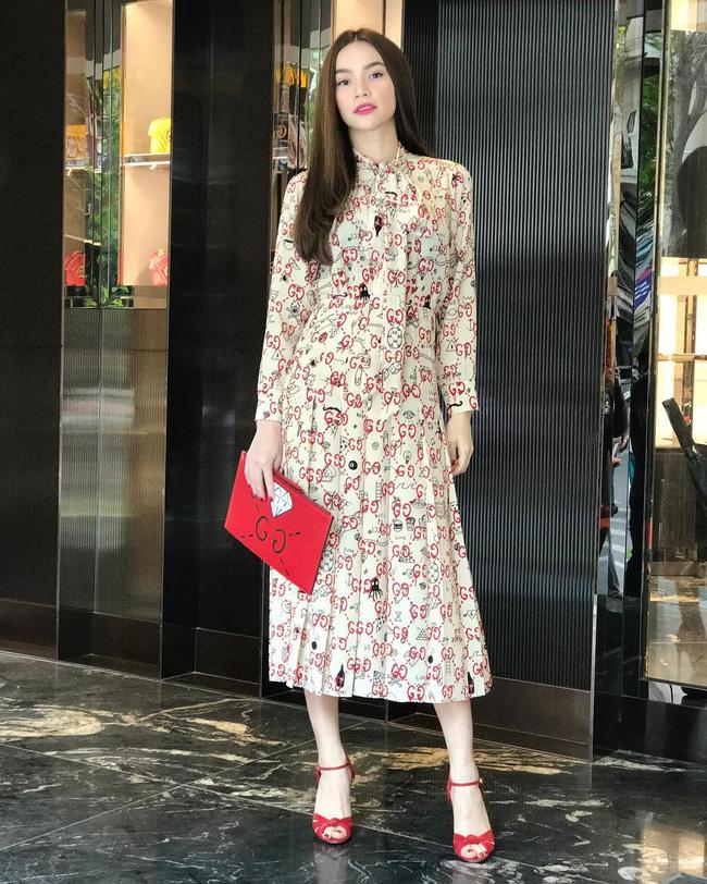 Style biến hóa khôn lường nhưng Hà Hồ bao năm cứ trung thành với một kiểu giày cao gót kéo chân vi diệu-5