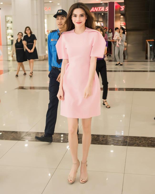 Style biến hóa khôn lường nhưng Hà Hồ bao năm cứ trung thành với một kiểu giày cao gót kéo chân vi diệu-2