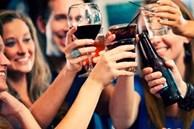 Đừng dại mà ăn 3 món này trước khi uống rượu, nếu không bạn sẽ lãnh đủ hậu quả đáng tiếc