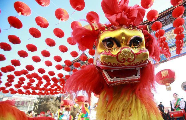 Phong tục đầu năm thú vị ở các nước đón Tết âm lịch giống Việt Nam: Nơi tắm nước nóng để tẩy trần, nơi ăn gỏi cá để cả năm dư dả tài lộc-2