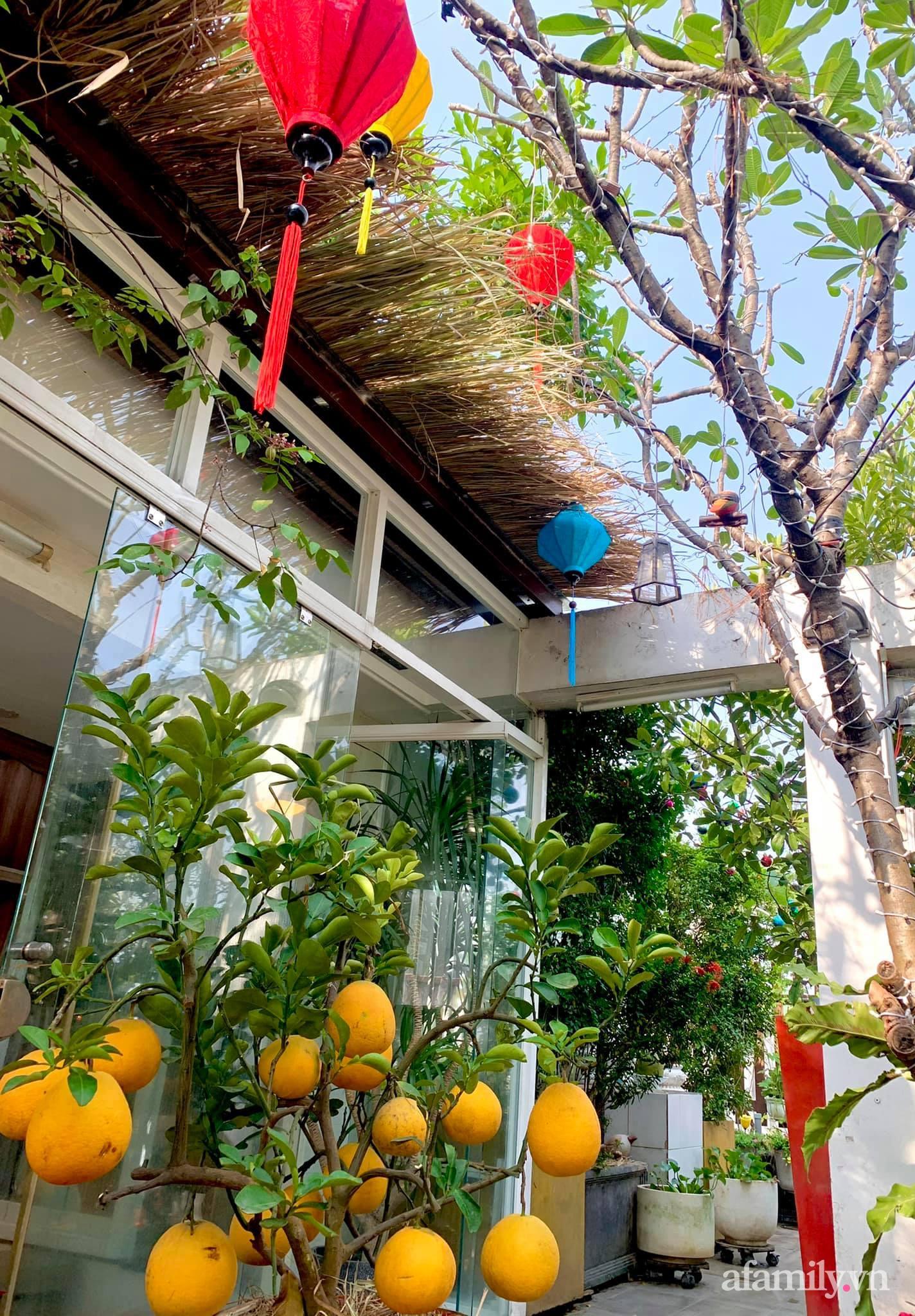 Mùng 1 đầu năm cùng ghé thăm sân thượng mang sắc màu Tết truyền thống của mẹ đảm ở Sài Gòn-7