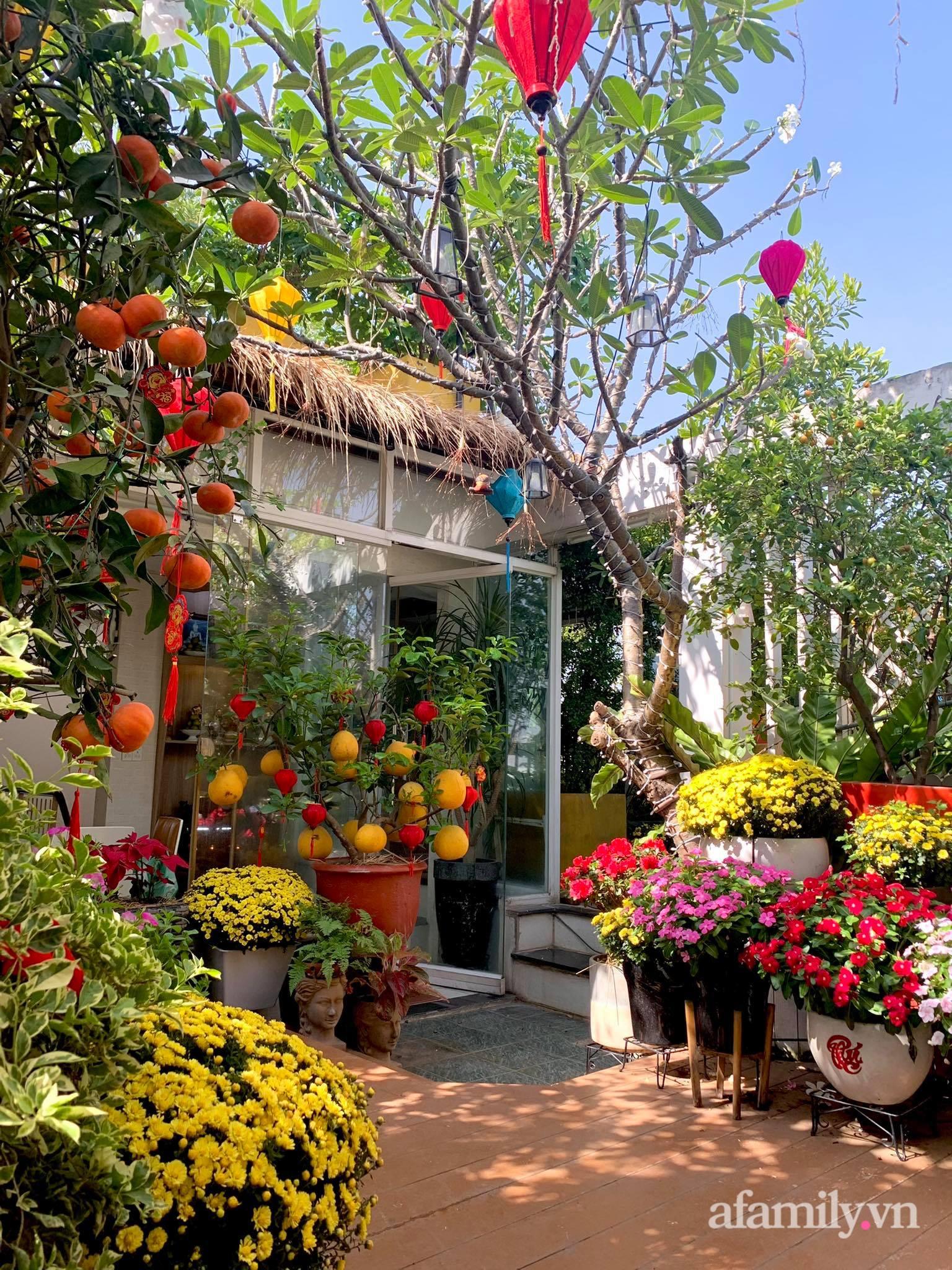 Mùng 1 đầu năm cùng ghé thăm sân thượng mang sắc màu Tết truyền thống của mẹ đảm ở Sài Gòn-40