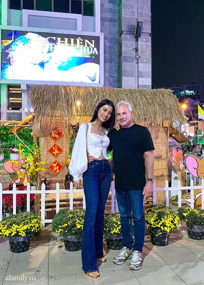 Chuyện gái Việt 26 tuổi yêu tỷ phú Mỹ 72 tuổi: Những ấn tượng khi ăn Tết tại Việt Nam và kỷ niệm đỏ mặt trong đêm Giao Thừa khiến ngài tỷ phú ám ảnh cả đời-12