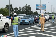 Cao tốc Pháp Vân - Cầu Giẽ ùn tắc trưa mùng 2 Tết