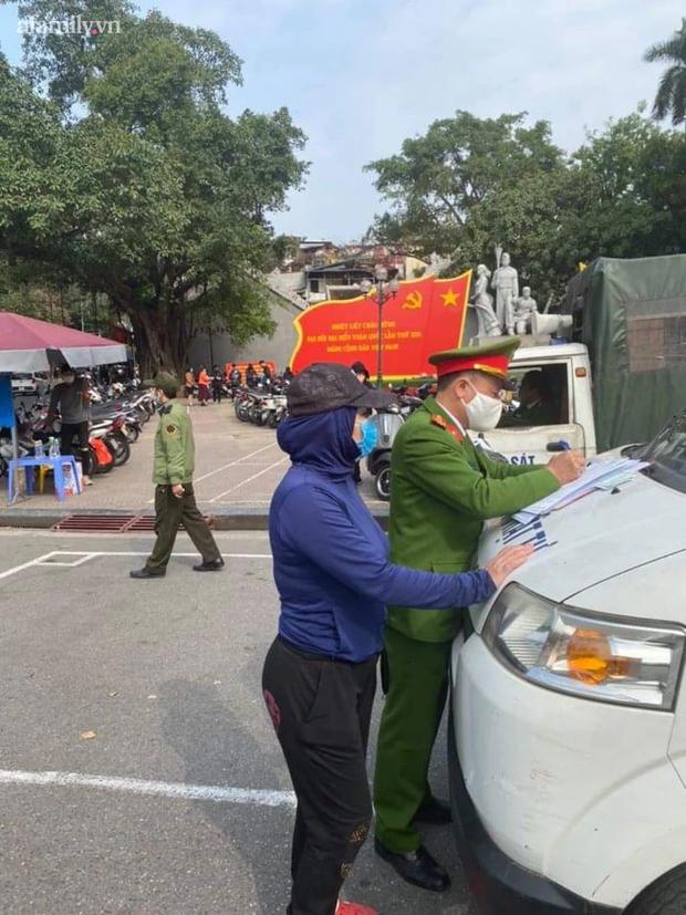 Hà Nội: Mới mùng 2 Tết Nguyên đán, nhiều người dân đã bị chặt chém tiền gửi xe-1