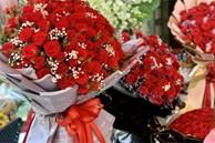 TPHCM: Bó hồng 'siêu to khổng lồ' tiền triệu đắt khách ngày Valentine