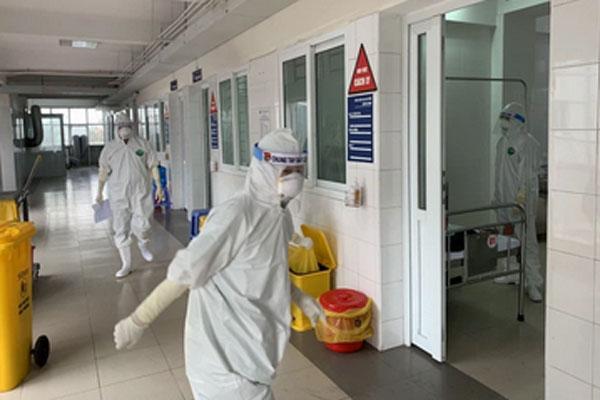 Sáng mùng 4 Tết, Bộ Y tế công bố Hà Nội thêm 1 ca mắc Covid-19-1