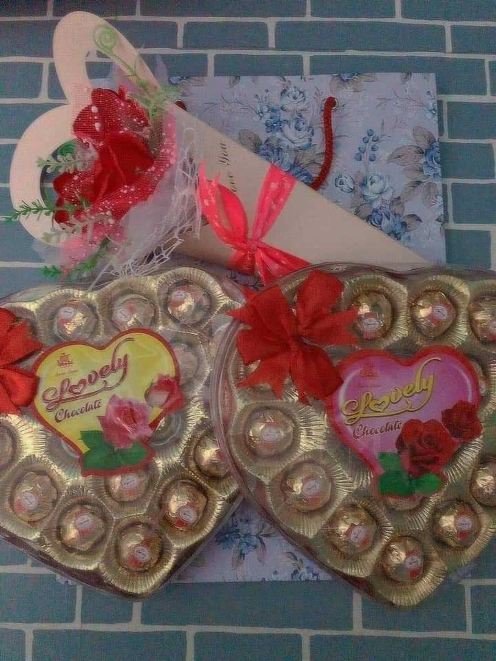 Được người yêu lấy hộp sô cô la chưng bàn thờ Tết mang tặng Valentine, cô gái tưởng chia tay đến nơi nhưng nào ngờ dân mạng lại khuyên nên tiếp tục vì lý do chính đáng này-3