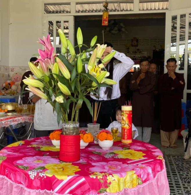 Vợ 2 Vân Quang Long tổ chức lễ cúng 49 ngày cho chồng-1