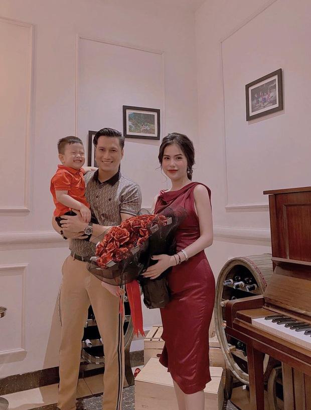 Việt Anh đăng ảnh đưa con trai đi chơi, vợ cũ liền vào nhắc nhở một câu đầy ẩn ý-3