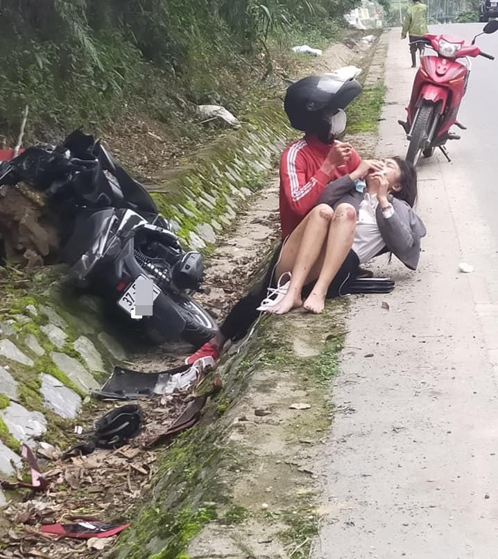 Xôn xao chuyện cô gái trẻ đang lái xe máy du Xuân thì bị cướp tài sản, thương tích phải nhập viện-1