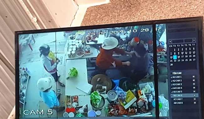 Kinh hoàng: Người đàn ông buổi sáng đi cướp, buổi tối đốt nhà, đâm trọng thương 2 con nhỏ-2