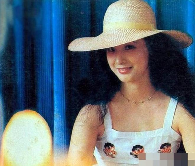 Vạn Thánh công chúa Tây du ký 1986: Đẹp như Tây Thi, trùm truyền thông, cuộc sống xa hoa giàu có-5