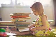 Con ghét đọc, nhà nhiều sách cũng vô ích: Bố mẹ áp dụng ngay những cách sau, bé tự dưng thích đọc sách mà không cần phải ép