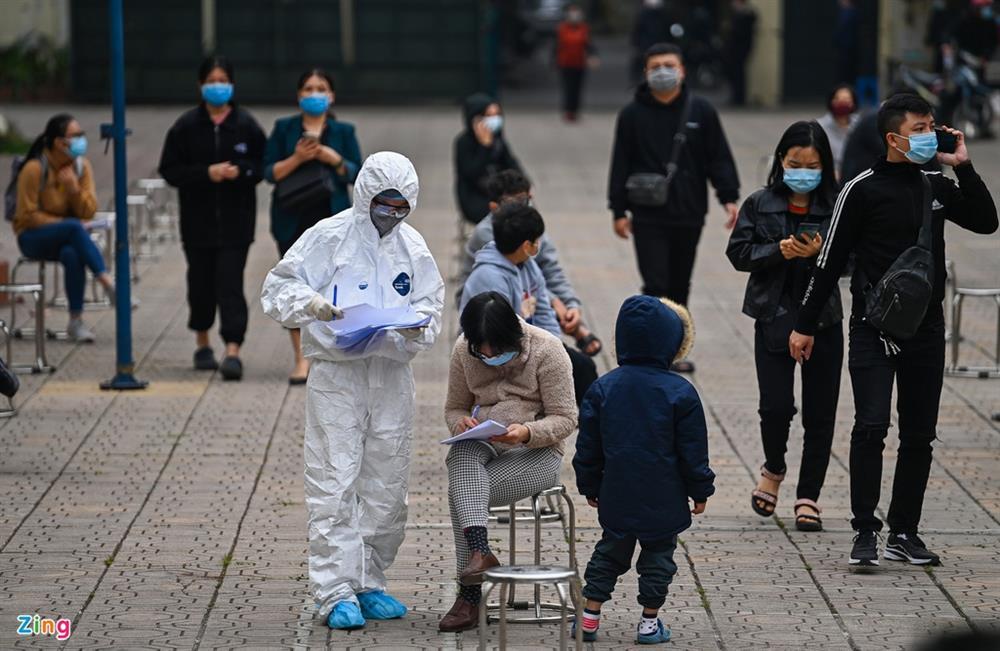 Hà Nội lấy hàng nghìn mẫu xét nghiệm cho người trở về từ vùng dịch-3