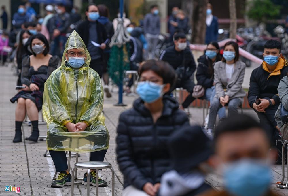 Hà Nội lấy hàng nghìn mẫu xét nghiệm cho người trở về từ vùng dịch-5